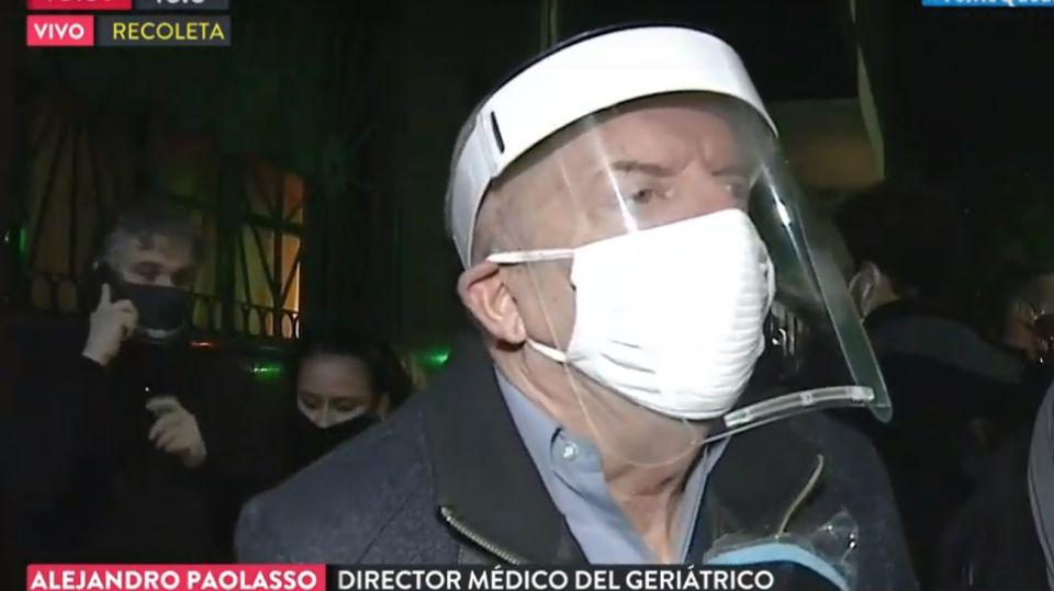 El doctor Alejandro Paolasso, uno de los médicos responsables del geriátrico Carpe Diem, en Recoleta.