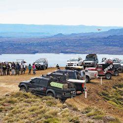 La caravana a pleno en un alto de la travesía, disfrutando del imponente paisaje del P.N. Perito Moreno.