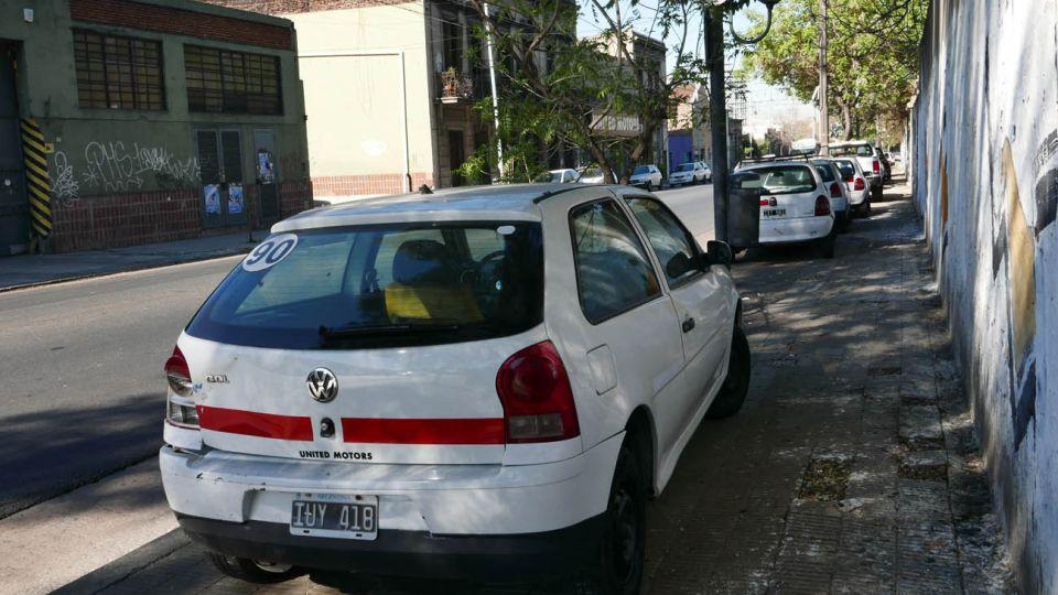 autos mal estacionados  20200507