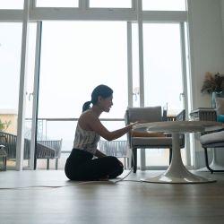 Teletrabajo en espacios no adaptados para largas jornadas laborales. | Foto:Cedoc