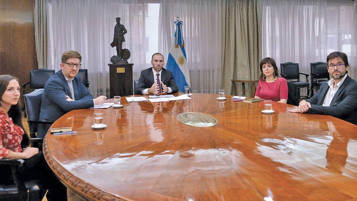 Guzman trying to reach an agreement regarding Argentina´s debt.
