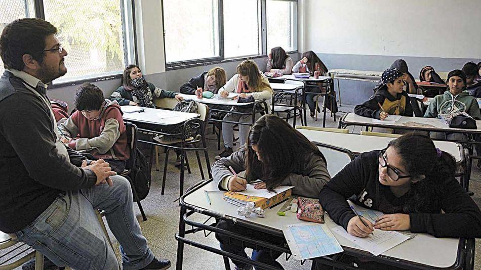 20200509_escuela_aula_secundaria_telam_g