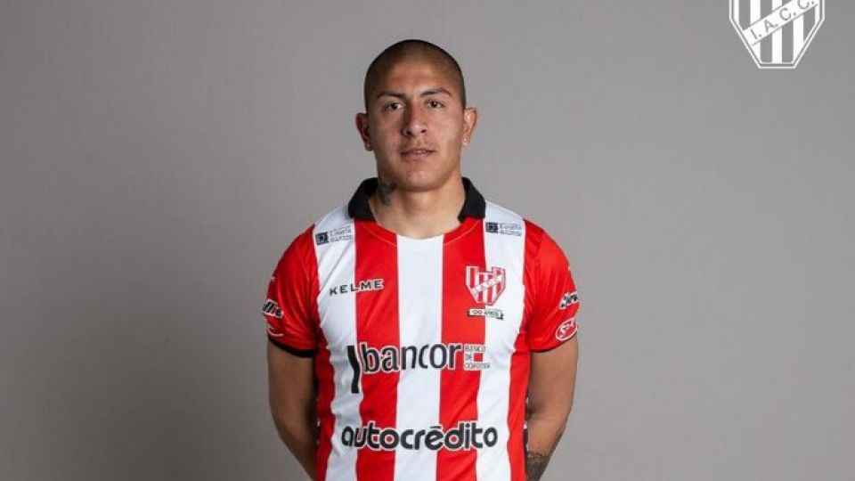 A LA ESPERA. El delantero albirrojo continúa en Córdoba esperando novedades sobre su futuro.