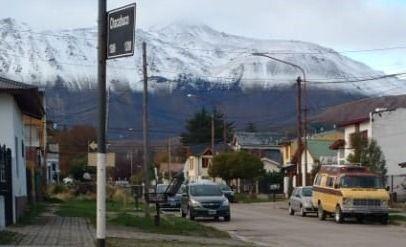 Aunque no se sabe a ciencia cierta cuándo comenzará la temporada de esquí en la Argentina, la naturaleza va cumpliendo su ciclo y ya llegaron las primeras nevadas.