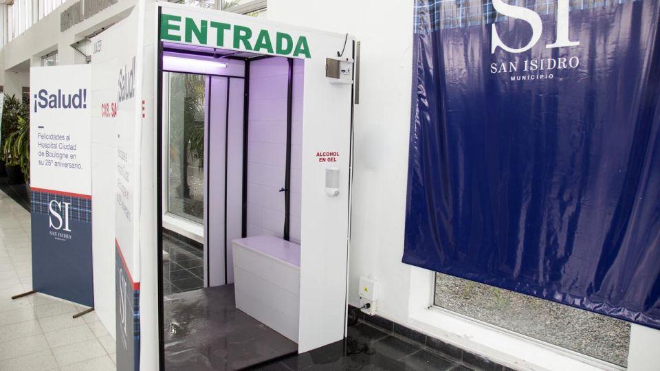 Se trata de tecnología que sirve para esterilizar ropa, cabello y calzado en los agentes de salud.