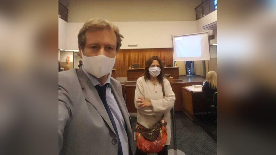 La mamá de Anahí Benitez presente en la sala de audiencia.