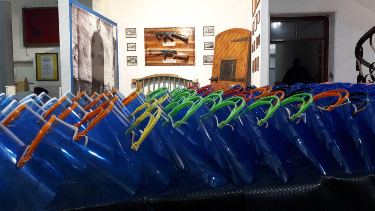Los presos de la Unidad 4 de Bahía Blanca confeccionaron 400 máscaras faciales.