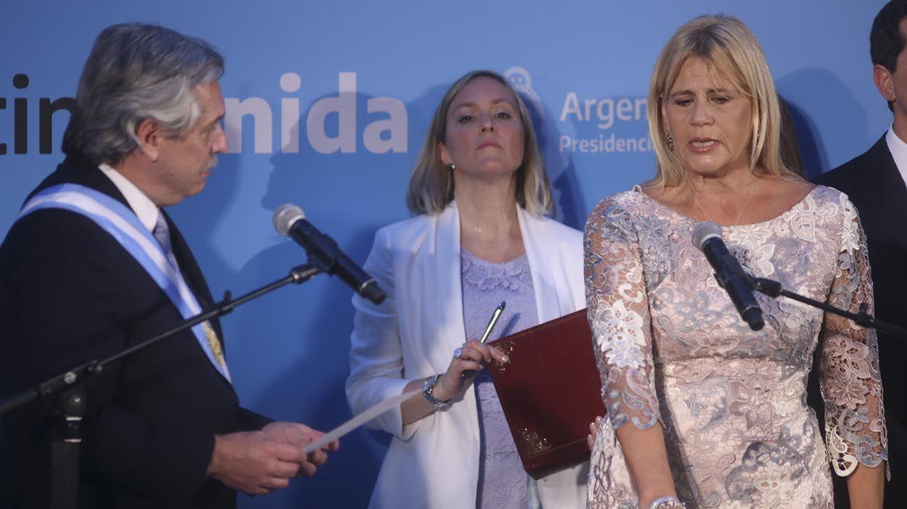 El presidente Alberto Fernández y la ministra Marcela Losardo