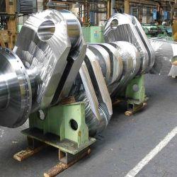 El motor es un bloque turbodiésel de dos tiempos con una cilindrada de 25.480 litros.