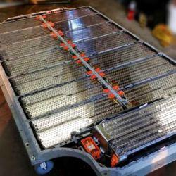 Una de las claves de la propuesta es la forma más simple y menos costosa de ubicar las celdas de las baterías. Una ubicación más densa de células proporciona una mayor capacidad energética.
