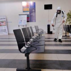 2020-05-15 - 10:16:00 hs.  Mar del Plata: Desinfeccion en salas de salud  Continuan las tareas de desinfeccion en salas de salud en el marco de la pandemia por el coronavirus. | Foto:telam