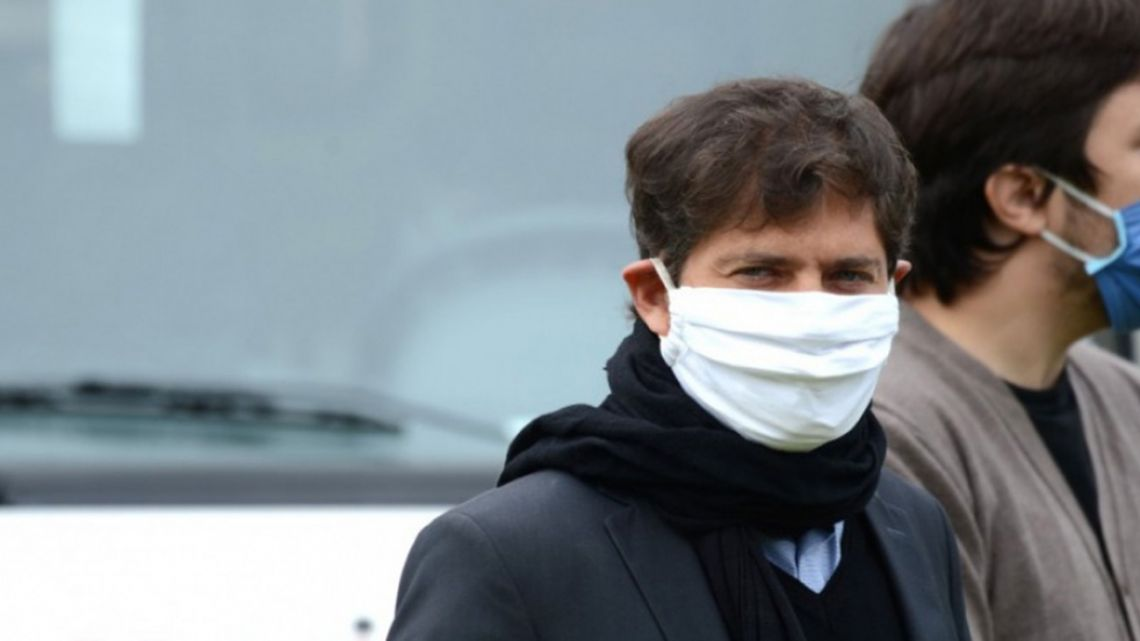 Buenos Aires Province Governor Axel Kicillof wearing a face mask.