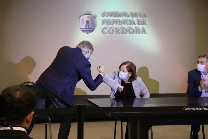 CODO A CODO. El intendente Llaryora y la diputada Vigo juntos el jueves en El Panal.