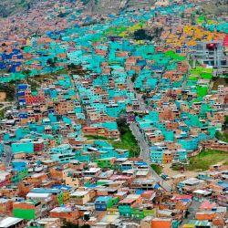 Vista general del barrio de Ciudad Bolívar, al sur de Bogotá, el 15 de mayo de 2020, en medio de la pandemia de coronavirus Covid-19. (Foto por Raúl ARBOLEDA / AFP) | Foto:AFP