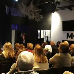 Augusto Costa dando una charla en el Centro Cultural Morán. | Foto:Cedoc.