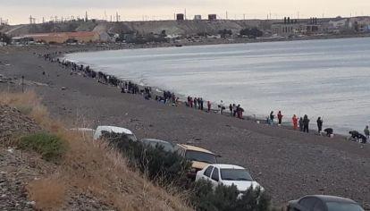 Comodoro Rivadavia está analizando volver atrás con la medida debido a la gran afluencia de pescadores a las playas.