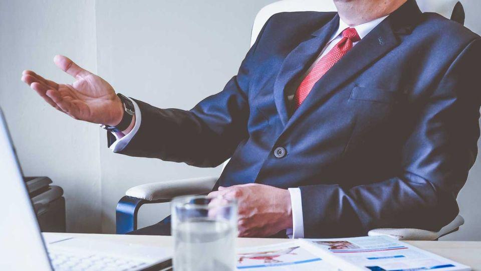 liderazgo-lider-empresas-jefe-negocios