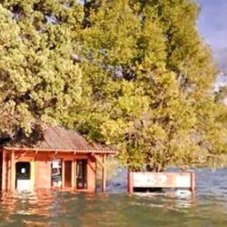 En Lago Puelo cayeron 50 mm de lluvias. El lago a punto de desbordar.
