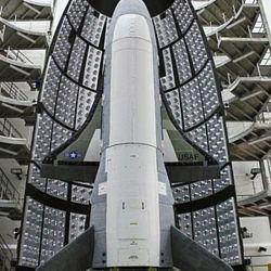 Esta aeronave tiene el récord de ser la nave que más tiempo estuvo orbitando alrededor de la Tierra en una sola misión.