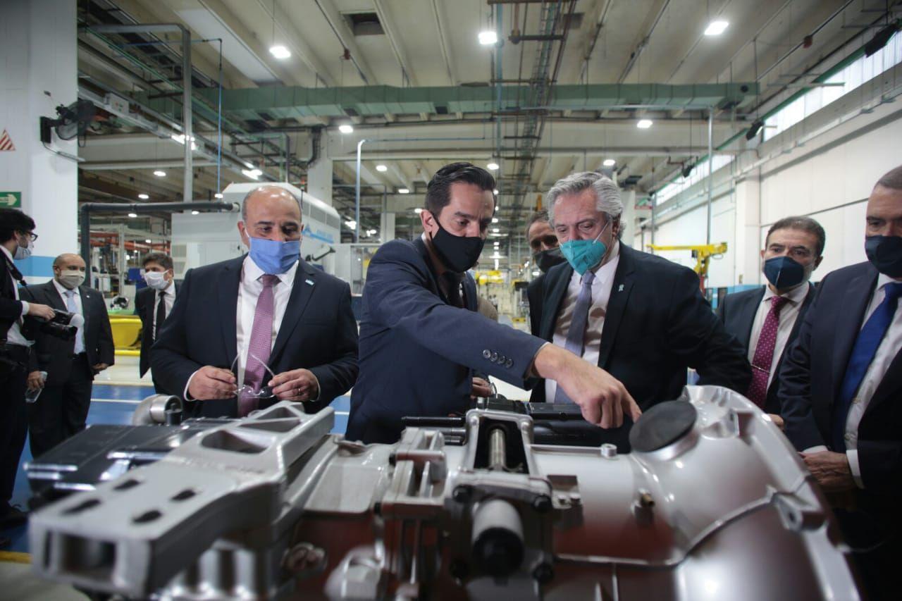 Alberto Fernández visitó la planta de Scania en Tucumán durante su recorrido por el NOA.