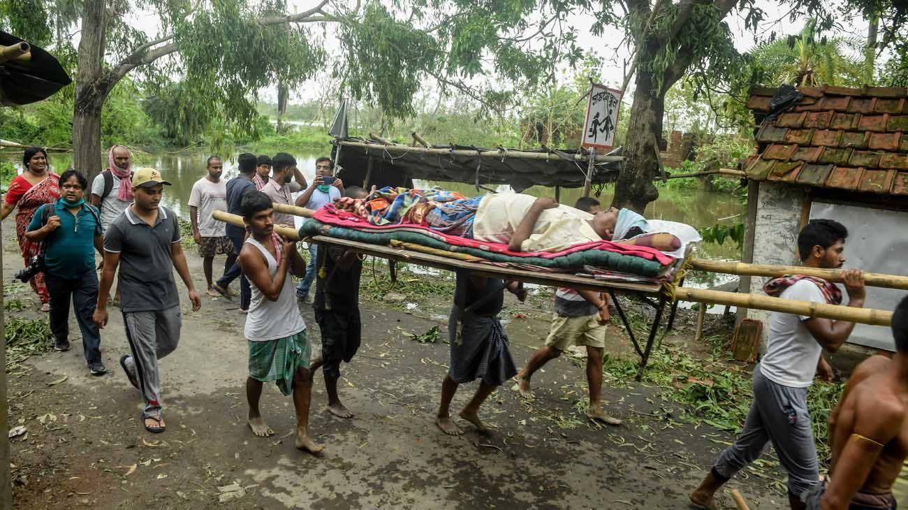 India y Bangladesh sufren el embate del coronavirus y de un potente ciclón