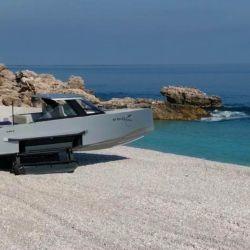 La nueva Iguana Commuter, del fabricante francés Iguana Yachts, ofrece una experiencia de navegación totalmente flexible.