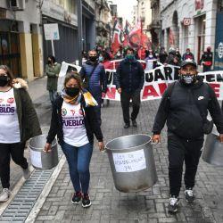 La protesta de los militantes de los movimientos sociales de izquierda, que esta mañana se concentraron en el Obelisco porteño, con la consigna de    Foto:Télam