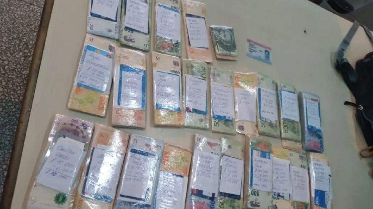 En el operativo incautaron aproximadamente 500.000 pesos.