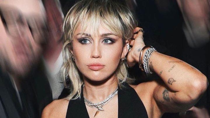 El drástico cambio de look de Miley Cyrus que le hizo su mamá
