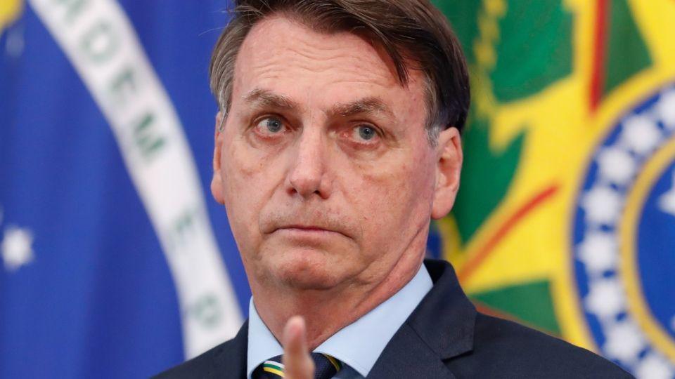 """EL PRESIDENTE DE BRASIL, JAIR BOLSONARO, ASEGURÓ QUE EL FÚTBOL DEBE VOLVER PARA REDUCIR """"EL ESTRÉS"""" DEL PUEBLO. / NOTICIAS ARGENTINAS."""