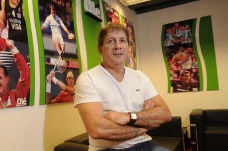 Trotamundos. Blanco dirigió en nueve países. Fue entrenador de Belgrano y compañero de Andrés Fassi, actual presidente de Talleres, en el cuerpo técnico del Cobras de México.