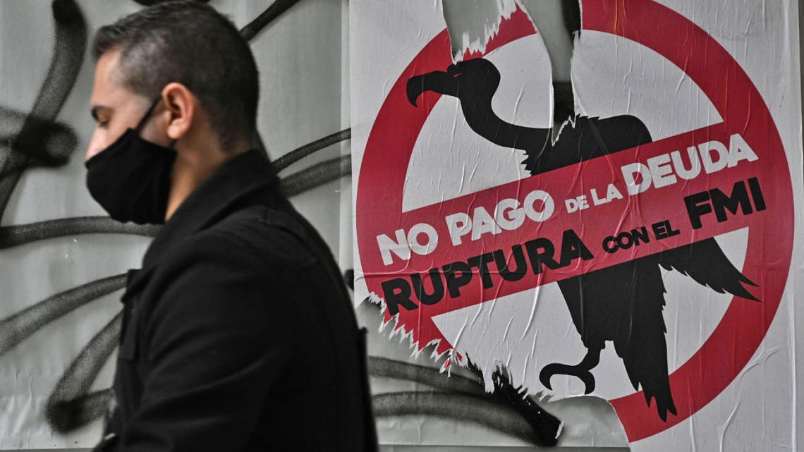 Argentina´s debt restructuring problems continue.