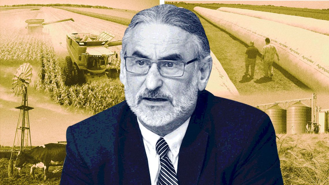 Minister of Agriculture, Luis Basterra.