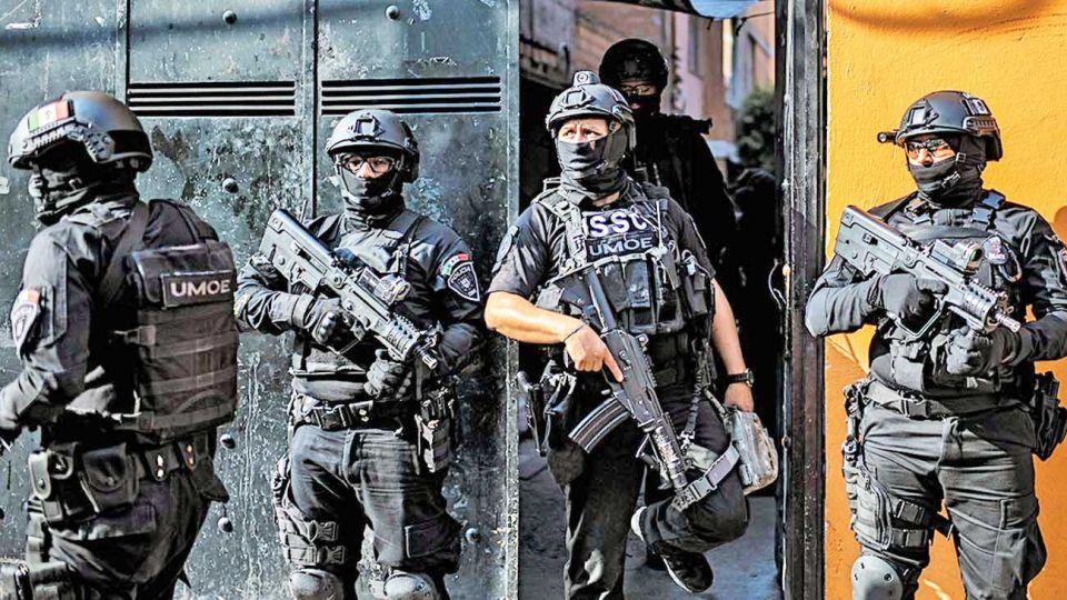 Camioneta. Apareció con doce cadáveres en Michoacán. El Ejército, desplegado.