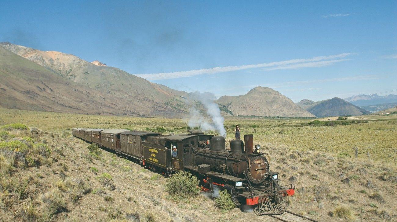 El Expreso Patagónico La Trochita, uno de los atractivos turísticos más representativos de Esquel y la Patagonia, cumple tres cuartos de siglo de vida.