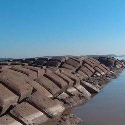 Terrible bajante del río Paraná dejó a la vista el túnel subfluvial y secó en puerto de San Fernando.