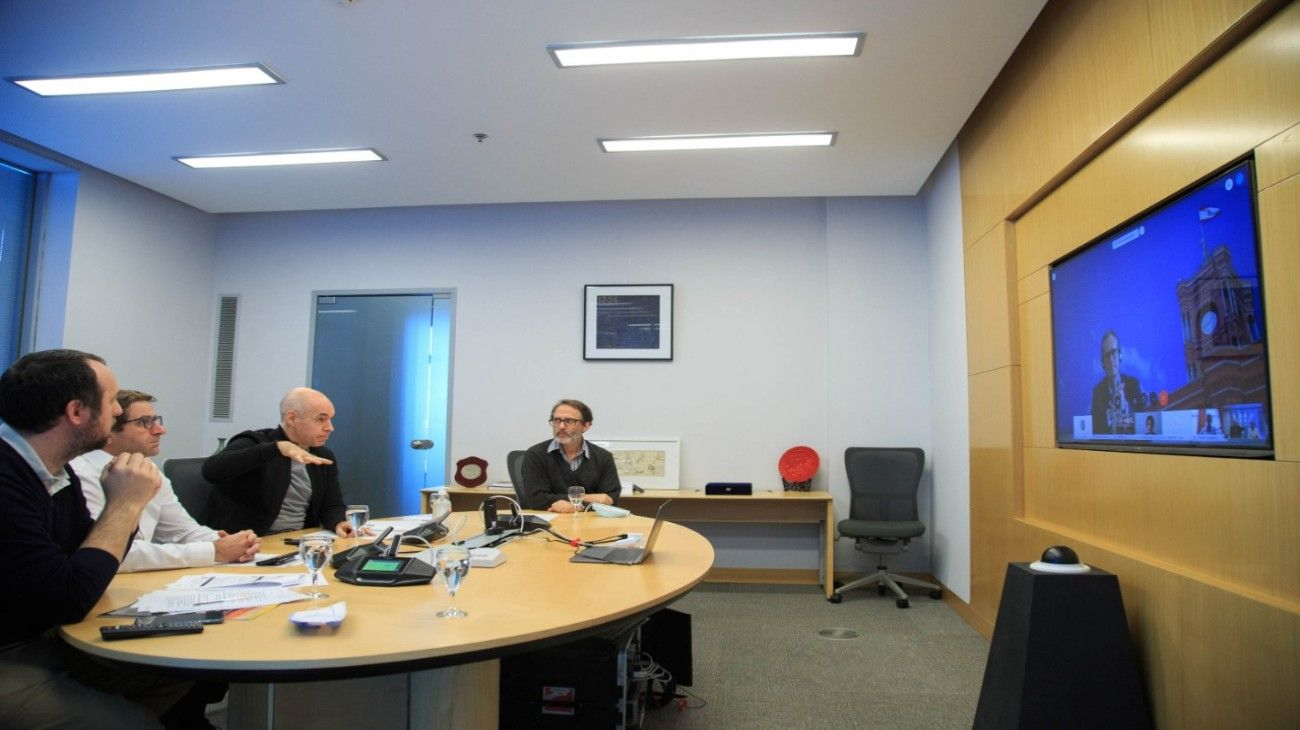 El jefe de gobierno porteño mantuvo un encuentro virtual con sus pares de Europa y EE.UU.