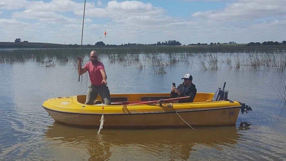 En Tornquist ya se puede pescar embarcado.