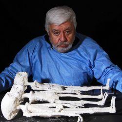 El periodista mexicano Jaime Maussan comenzó en 2017 una investigación científica sobre los orígenes de esas nueve momias halladas en Nazca.