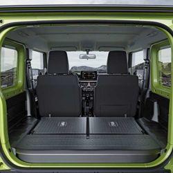 Si bajamos los asientos traseros, la capacidad de carga es por demás importante.