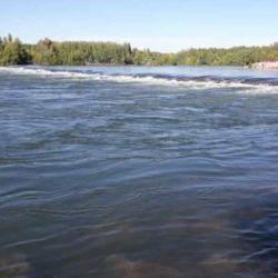 Se espera que el río Limay duplique su caudal por la generación de energía eléctrica de sus represas.