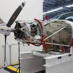 Este modelo reconvertido es producto de una alianza entre Cessna, la firma aeroespacial AeroTEC y la empresa de propulsión magniX.