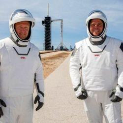 Los trajes de SpaceX son muy diferentes a los que se utilizaban en la época de los transbordadores espaciales.