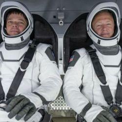 Más allá del todo cambio estético que implica el Starman, los ingenieros de SpaceX se pusieron manos a la obra para convertirlo en un traje funcional de última tecnología.