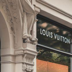 Una de las 75 marcas (quizá la más emblemática) del emporio francés.
