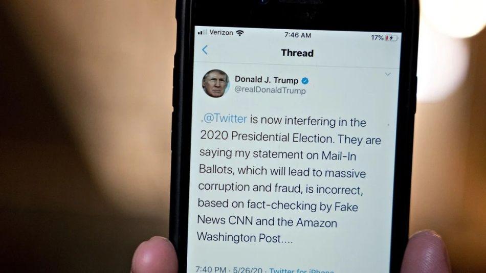Trump anuncia el tema Twitter  20200529