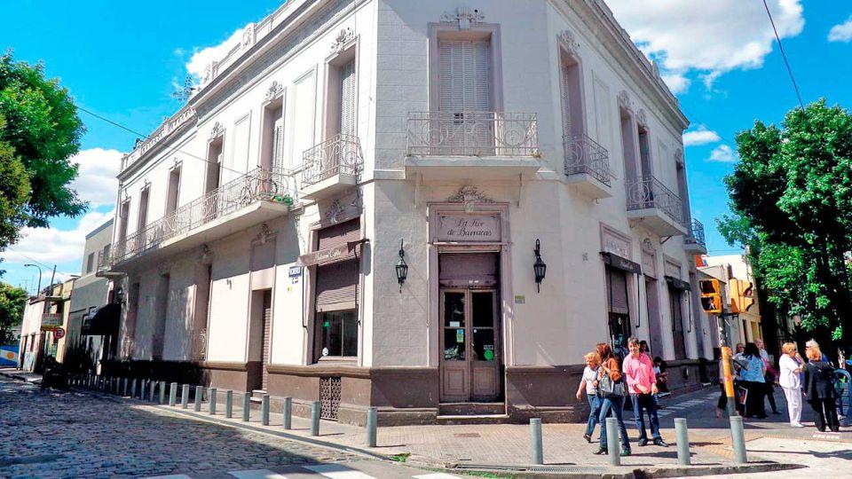Esquina. En Suárez y Arcamendia, había mejorado su salón.