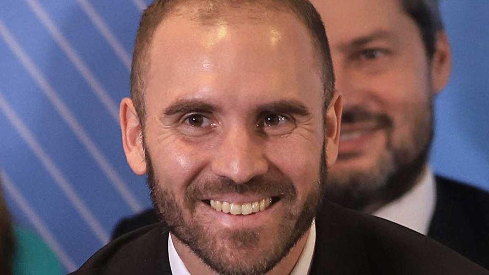 Martín Guzmán. Intenta cerrar con los fondos.