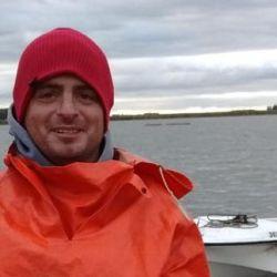 Tres Arroyos se encuentra habilitada para la pesca en cuarentena, y un residente logró en pejerrey de más de tres kilos.