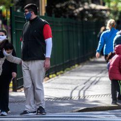 A pesar de las bajas temperaturas, los porteños realizaron las salidas recreativas, permitidas por el Gobierno de la Ciudad, en el marco de la pandemia Covid-19. | Foto:Télam